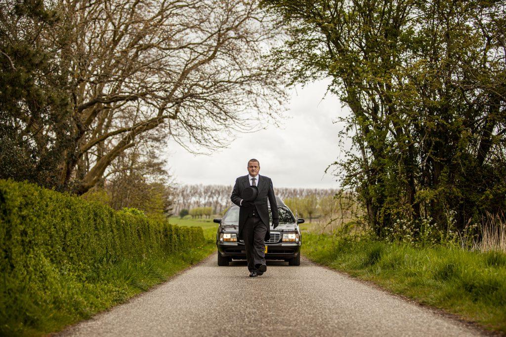 Henk-Jan-Rouwvervoer-Rouwauto-Vervoer-Marinus-Van-Belzen-Dienstverlening-Minnaard-Poppe-Begrafenis-Walcheren-Zeeland