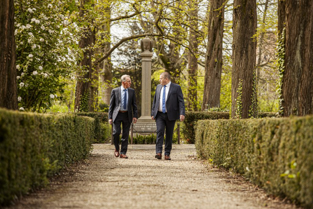 Johan-Poppe-Henk-Jan-Minnaard-Begrafenisondernemer-Vlissingen-Middelburg-Zeeland-Begraven